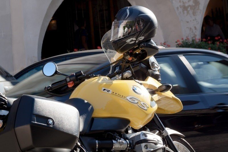 motorcycle-bmw-chrome-helm-luxury-tank