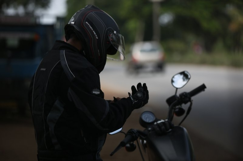 motorcycle-helmet-laws