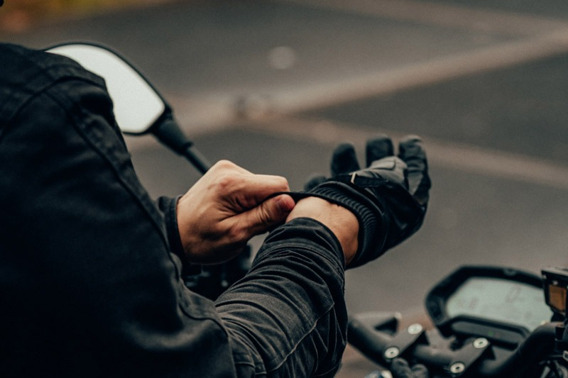 How Should Motorcycle Gloves Fit